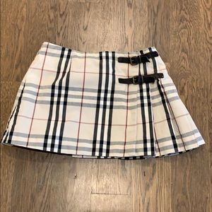 Girls Burberry Pleated Skirt- size 5